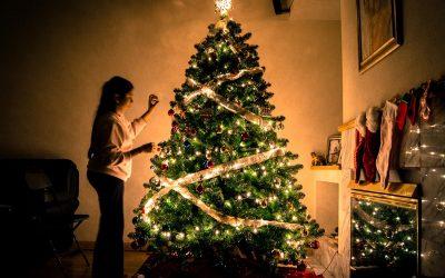 Weihnachtsbäume, Geschenke, Familienessen? Entdecken wir die wahren Weihnachtsgefühle wieder